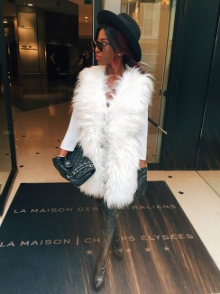Hat: TopShop| Sunglasses: Dior | Bag: Chanel| Dress/Top: Zara|  Gloves: Zara| Boots: Office